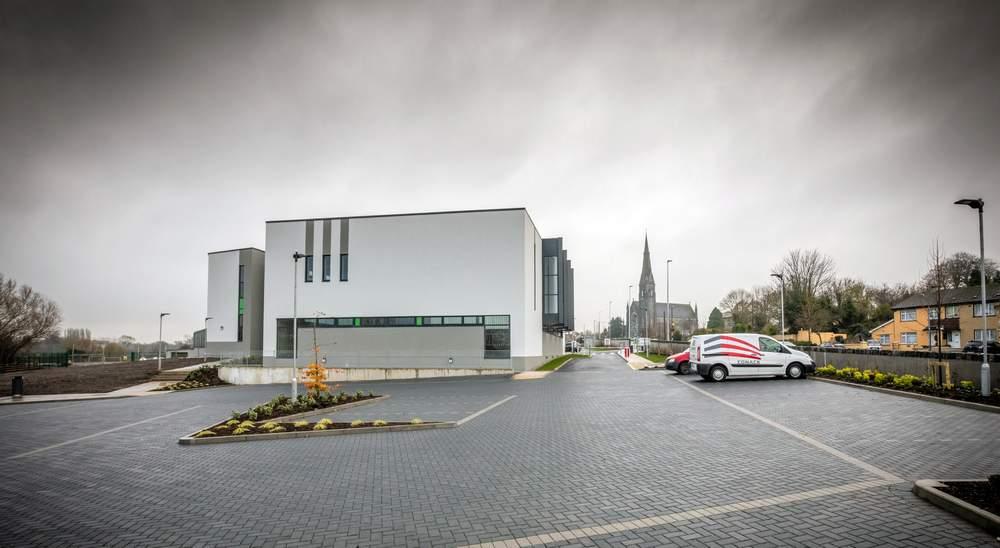 Coláiste Iósaef - New School